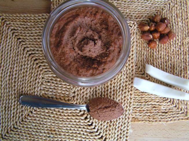 how to make raw chocolate hazelnut spread