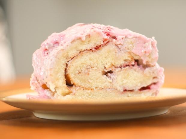 erdbeer-bisquit-rolle-1